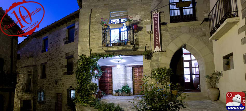 fachada nocturna casa del infanzón judería