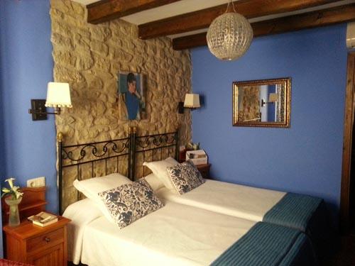 habitación doble Roca feliciana cama 180
